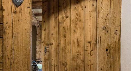 Tür zur Sauna